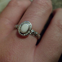 Authentic Navajo Native American Southwestern sterling silver Australian opal flower berry band ring.Size 7