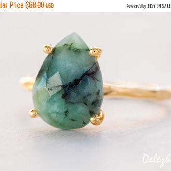 LABOR DAY SALE - Green Raw Emerald Ring - May Birthstone Ring - Gemstone Ring - Stacking Ring - Gold Ring - Tear Drop Ring - Prong Set Ring