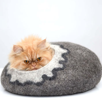Cat house, cats bed, cat cave, wool pets house, grey with white