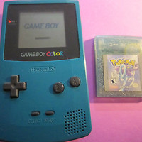 NINTENDO GAMEBOY COLOR W/ POKEMON GAME