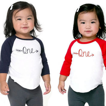 Twins 1st birthday outfit,Set of 2 First Birthday Twin Shirt,1st birthday twin,Twin First Birthday Outfit,twin birthday one shirt,Shirt Twin