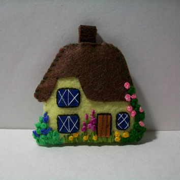 Felt Keychain, House Keychain, Embroidered Keychain, Handmade Keychain, English Cottage Keychain