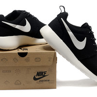Nike Roshe Run Trainers Black And White [rosheruns-994] - $62.49 : Nike Free Coral