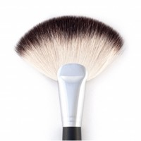 The Deluxe Fan Brush : Makeup Brushes | BH Cosmetics!