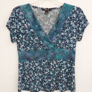 Style & Co Turquoise, White, Black V Neck Wrap Front Size L Spring Summer Short Sleeve Empire Waist Top