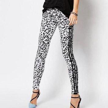 LMFOK3 Adidas Originals Fashion Print Snow Leopard Wave Point Running Leggings Sweatpants