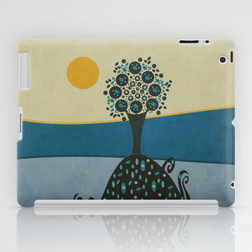 Lone tree in the hills iPad Case by Viviana González
