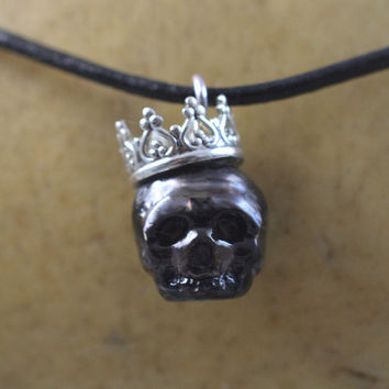 Carved Full Skull Pearl Wearing Sterling Silver Crown - Gift - Gift For Her - Gift For Him - Skull Jewelry - Pearl Skull
