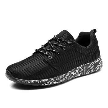 Men Designer Sneakers 2017 Mens Sports Shoes Breathable Mens Running Shoes Spring/Summer Mens Sport Trainers Hot Mens Trainers
