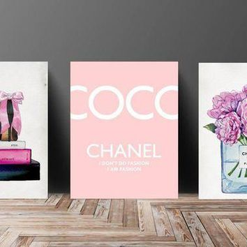 ONETOW Wall Art? Poster Print - COCO CHANEL, Shoes, Book, Handbag Vogue?- Famous?Fashion Quote - Black WaterColor- 610, 630, 635