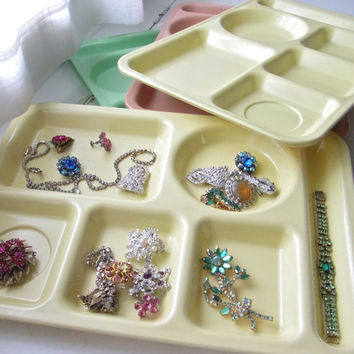 four cafeteria trays / vintage cafeteria tray / serving tray / desk organizer / jewelry organizer /  vintage / mint green / pink /yellow