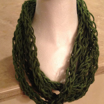 Green Finger Knitted Infinity Eternity Circle Fashion Scarf