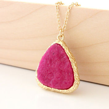 Druzy pendant hot pink on gold chain