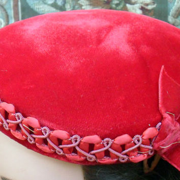 Women's Red Velvet Ornate Vintage 1940's/1950's Style Hat