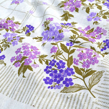 "Linen tablecloth, Vintage Linen Tablecloth , Floral Tablecloth, Eco Friendly Tablecloths, 59"" by 59"","