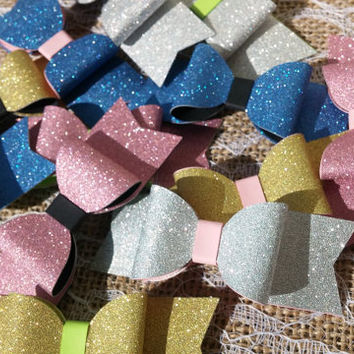 Small Bows - Sparkle Bows - Wedding Confetti - Girls Birthday Confetti - Sparkle Confetti - Party Decorations - Paper Bows - Luxury Bows