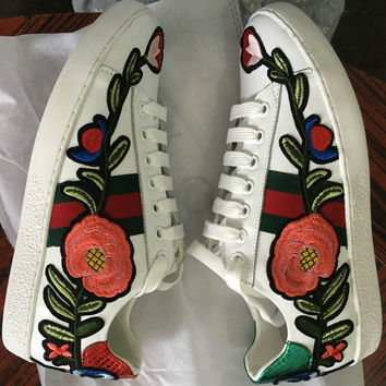 2017 Spring New Genuine Leather Embroidery Flower Lace-up Flats Brand Designer White Comfort Leisure Espadrilles Shoes for Women