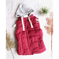 red winter - puffer vest with hood - burgundy/maroon