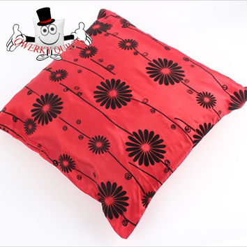 Red Western Style Vintage Flock Printing Cushion Cover With Cushion Insert