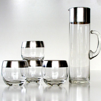 Mid Century Barware Martini Set. Vintage Pitcher & 4 Glasses. Silver Plated. Clear