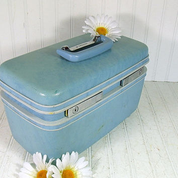 Retro Light Blue Hard Shell Train Case with Tray & Mirror - Vintage Samsonite Blue Vinyl Travel Carry On - Classic Profile Design Tote
