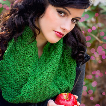 Women's Green Crochet Cowl - Forest Green Lacy Cowl - Shell Stitch Hood Spacious
