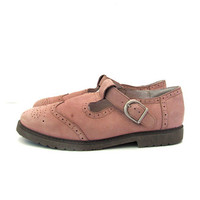 vintage 90s pink Mary Janes // Leather Buckled Shoes // women's shoes 6