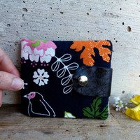 Black wallet for women. Floral wallet with bird. Fabric wallet in black with upcycled leather flap
