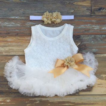Baby dress. Baby girl first birthday outfit. Baby tutu dress. 1st birthday outfit. Gold birthday outfit. Baby petti skirt. Cake smash outfit