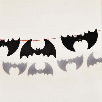 Black bats garland - Halloween wood home decoration decor - Wooden bat - Autumn October