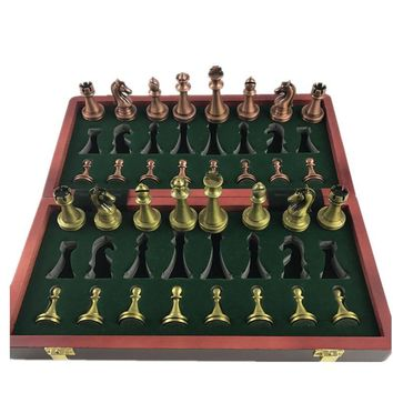 Classic Chess Pieces Wooden Chessboard Set