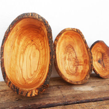 Natural Edges Olive Wood Hand-carved Rustic Bowl  / Wooden Boat Shaped Handcrafted Small Bowl / Wedding Gift