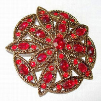 HollyCraft Brooch Pin Red Rhinestones Layered Gold Metal Floral Design Mid Century Vintage