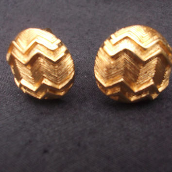 Chic gold tone textured zig-zag Monet earrings