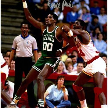 NOVO5 Robert Parish Signed Posting Up Hakeem Olajuwon 8x10 Photo
