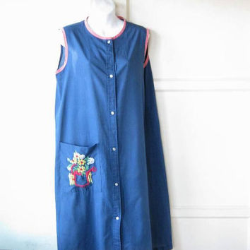 Dark Blue Housecoat w/ Embroidered Watering Can Pocket Embellishment; Women's Medium Cotton Blend Button-Up Pinafore; U.S. Shipping Included