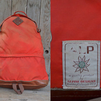 RARE Vintage Alpine Design Tear Drop Two Compartment Leather Bottom Daypack Backpack