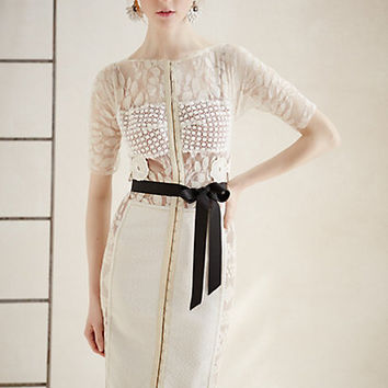 Daisy Lace Sheath
