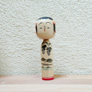 Vintage Small Kokeshi Doll / Yamagata / White Dragon Lake / Safflower / Grapes / Folk Art / Wood doll / boho decor / Signed / Japan