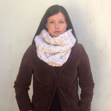 Oatmeal Infinity Scarf. Cream Cowl, Chunky infinity scarf, Natural Beige cowl, Taupe Scarf, Cream snood, Fall, Winter