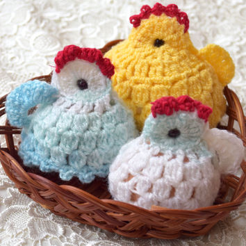 Easter crochet Hen & two chickens Easter egg decoration Set of 3 cozy Chicken egg warmer egg cover chicks kitchen decor spring Easter gift