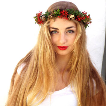Christmas red  crown, Gold,red berries headpiece, Holiday hair wreath,  Green hair accessories,  Floral headband