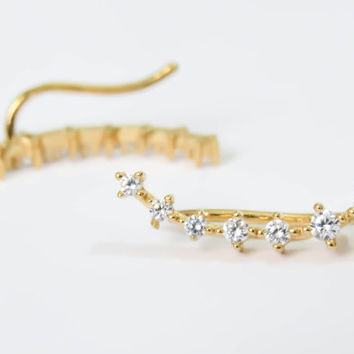 Gold Ear cuff with Cubic Zirconia Gemstone, Gold Ear Climber, gold studs, Gold climbing earrings everyday earrings, cz stud