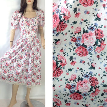 Vintage 80s Dress Floral Tea Dress Laura Ashley Style Dress Cotton Dress  Fit and Flair Dress 34 in bust 31 Waist Full Skirt Dress