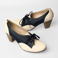 Chelsea Crew Susan Oxford Heel Shoe - White / Navy - Punk.com