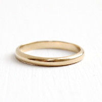 Vintage Mid-Century 14k Yellow Gold Wedding Band - Size 5 1/2 Classic and Simple Women's Fine Jewelry, Hallmarked Keepsake