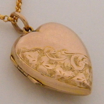c.1910 9K Antique Rose Gold Locket Vintage Edwardian / Art Nouveau Floral Heart Necklace / Valentine's Day Wedding Anniversary Gift Jewelry