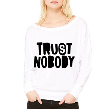 Trust me, I'm a GAMER WOMEN'S FLOWY LONG SLEEVE OFF SHOULDER TEE