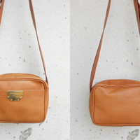 Vintage NINA RICCI PARRIS Tan Leather Shoulder Bag / Crossbody / Leather Purse / Made in Italy