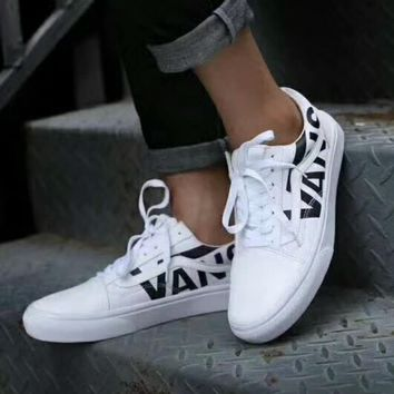 Vans OLD SKOOL Flats Sneakers Sport Shoes White G-CSXY